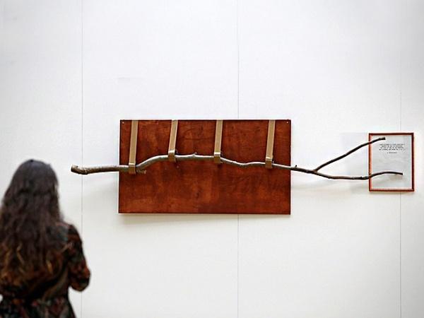Как Третьяковская галерея купила «Ветку» Андрея Монастырского