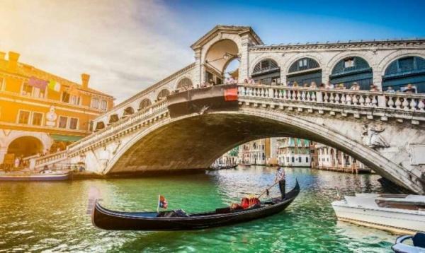 Карантин помог очистить воду в каналах Венеции