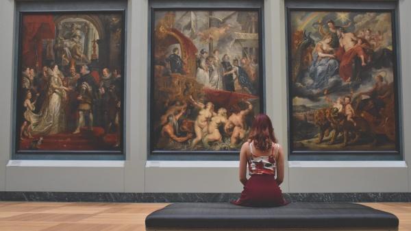 Крупнейшие музеи мира представили бесплатные онлайн-экскурсии