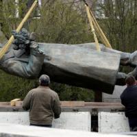 «Обращает на себя внимание особый цинизм»: как власти пражского муниципалитета демонтировали памятник маршалу Коневу
