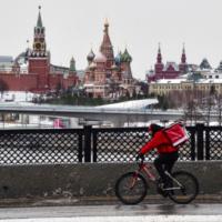 «Инкубационный период вируса составляет 14 дней»: в России призвали продлить нерабочую неделю