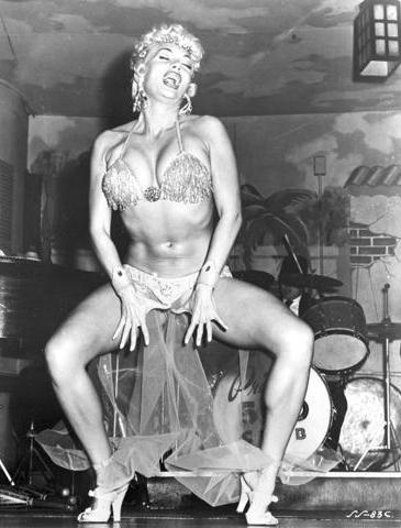 Лилли Кристин — танцующая женщина-кошка, сводившая с ума миллионы мужчин