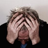 Ученые рассказали о депрессивном эффекте алкоголяна людей старше 40 лет