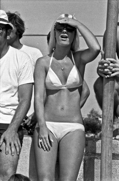 Утомленные солнцем: жаркий летний день 1970 года на знаменитом пляже Мишен Бич
