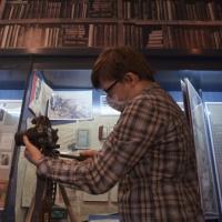 Экскурсия по закрытым фондам и антифашистская графика: за чем следить во время «Ночи музеев» в режиме онлайн