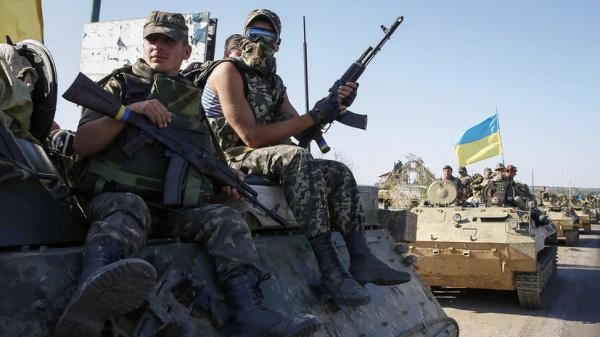 «Привыкли жить в парадигме военных действий»: почему власти Украины заговорили о ликвидации администраций ДНР и ЛНР