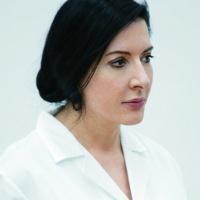 Марина Абрамович: «Я на самом деле веселая, люблю плохие, неполиткорректные шутки»