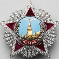Музы и пушки: музеи отмечают День Победы