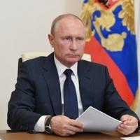 Путин раскритиковал работу министерств пооформлению выплат