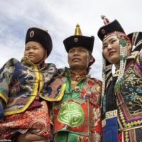 Традиционная одежда монголов: неожиданное богатство