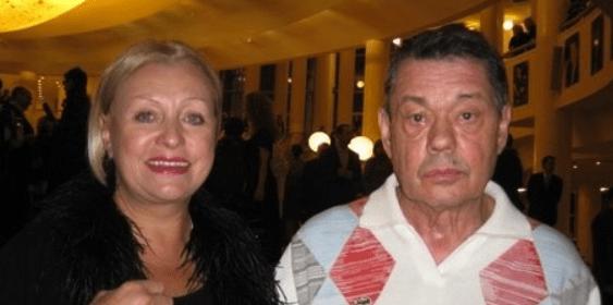 Вдова Николая Караченцова призналась, что получает зарплату от«Ленкома»