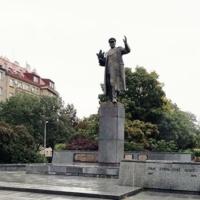 Внучка маршала Конева отреагировала наосквернение пьедестала наместе демонтированного памятника