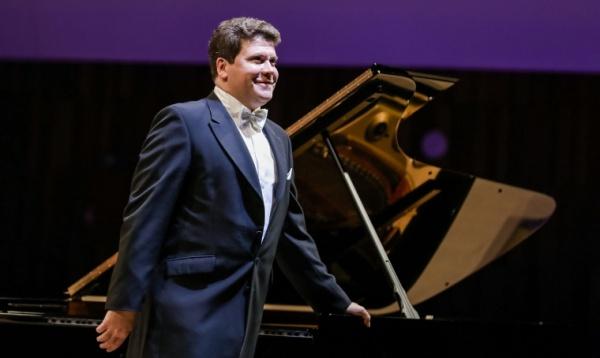 Мацуев перенес юбилейный концерт в Кремле на октябрь