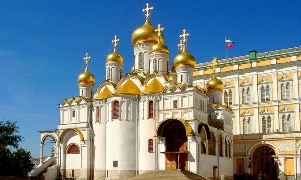 Более 600 человек посетили музеи Кремля в первый день после открытия
