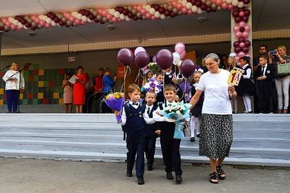 Российских школьников оставили без линеек 1сентября