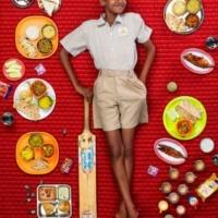 Хлеб наш насущный: удивительный фотопроект Грегга Сегала орационах детей разных народов